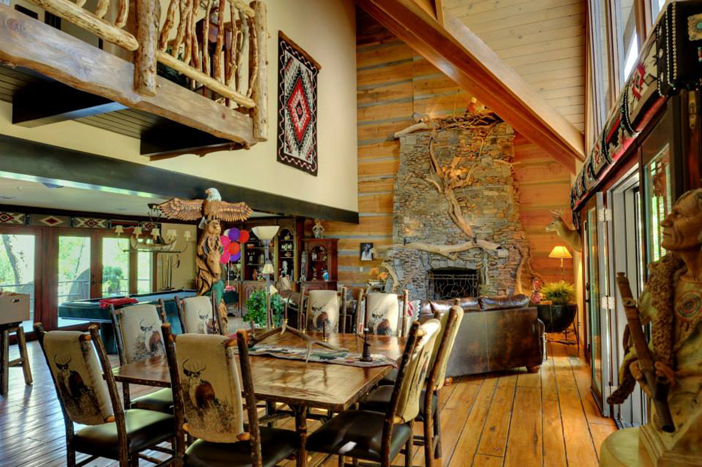 cabin-grandroom-2